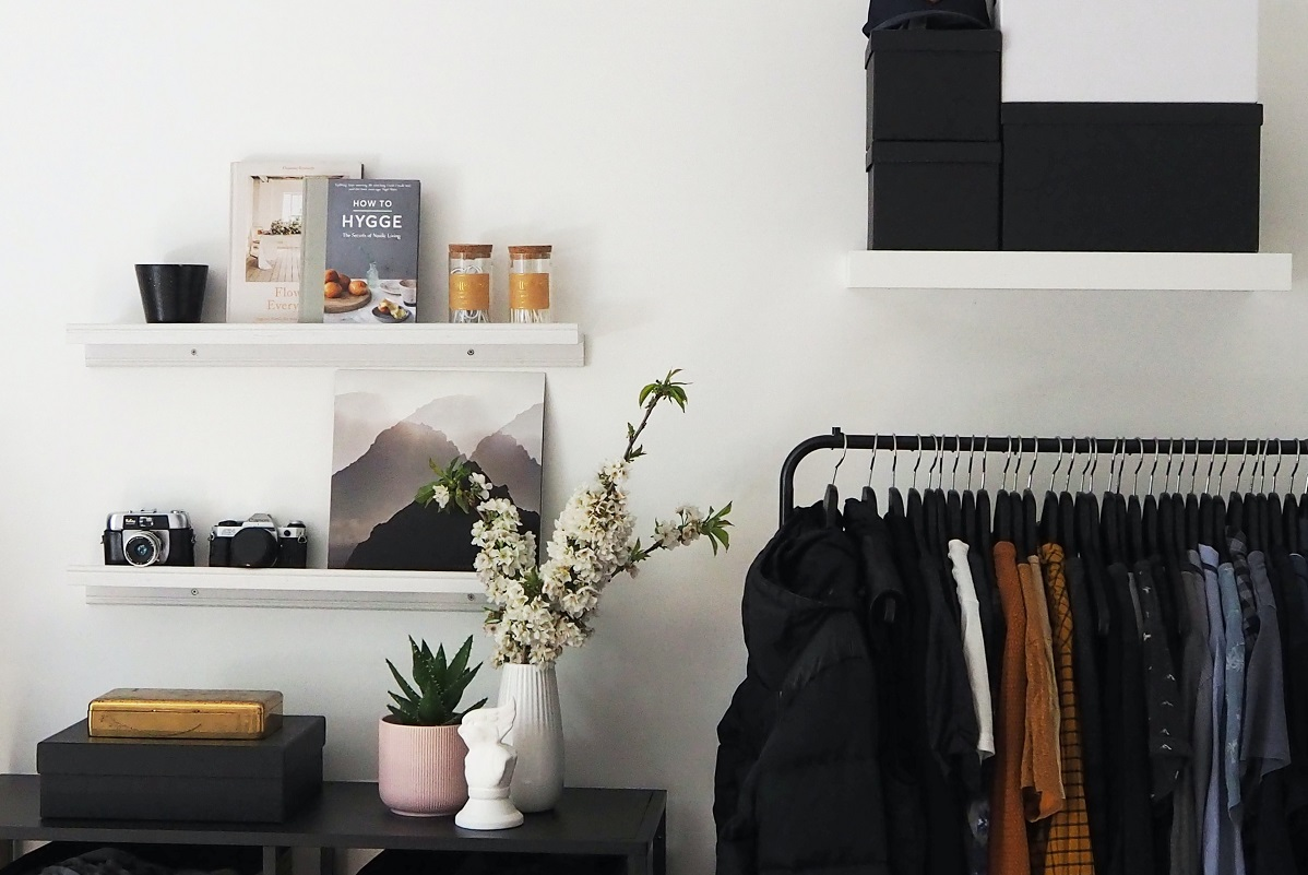 6 Interior Hacks for Smaller Spaces- A Guide to going clutter free